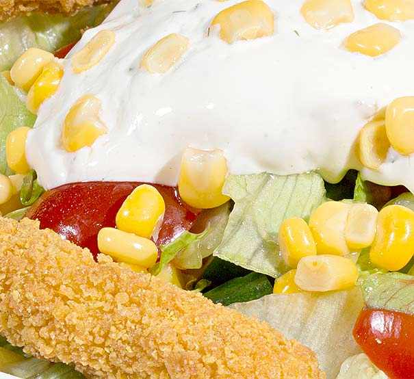 Salata cu Snitel de Pui – 350 g